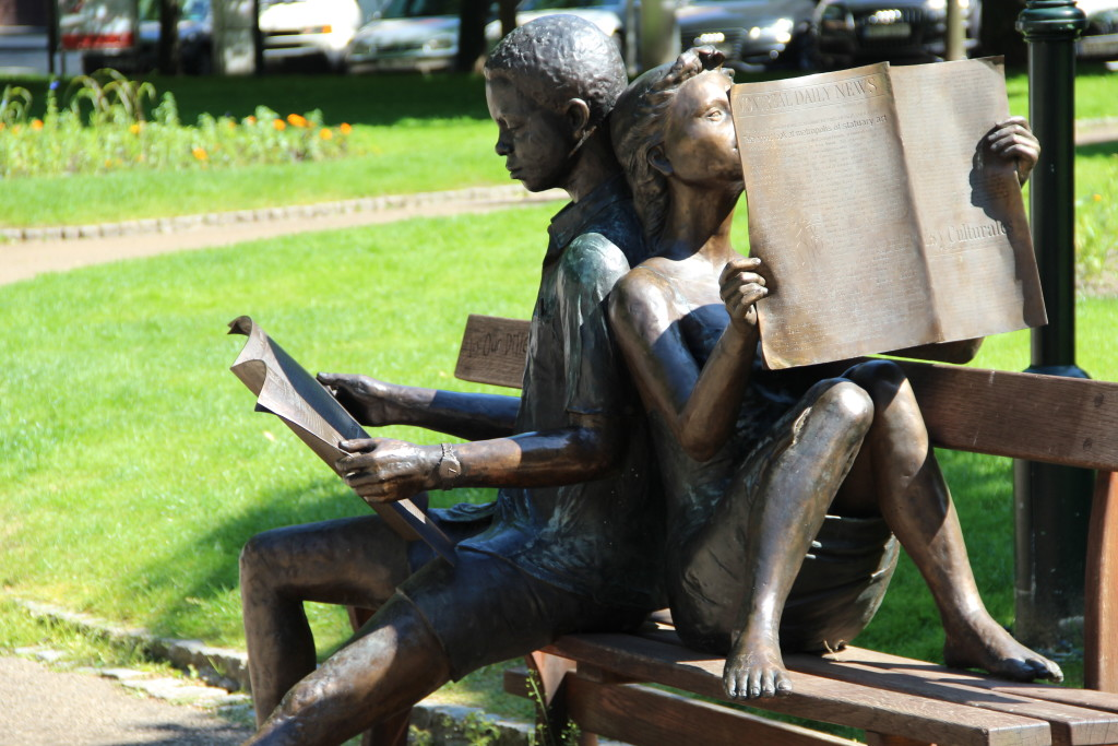 1-sicht findet: Lesen bildet.