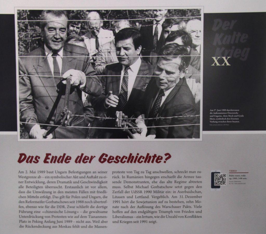 Mock und Horn, die Außenminister Österreichs und Ungarns durschneiden 1989 den Eisernen Vorhang